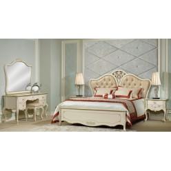 Кровать классическая с мягким изголовьем в шикарный спальный гарнитур Бланш.