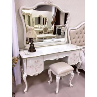 Купить классический белый туалетный столик с зеркалом в спальный гарнитур Бланш