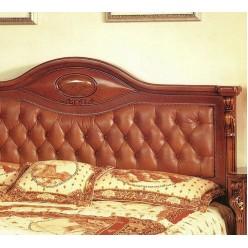 Итальянская кровать из массива дерева с мягким изголовьем Carpenter 201