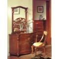 Классический туалетный столик с зеркалом в спальный гарнитур Carpenter 201