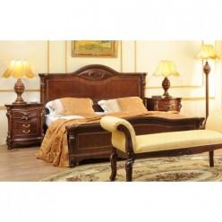 Купить итальянскую в классическом стиле кровать с твердым изголовьем Carpenter 201