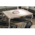 Компактный журнальный столик в классическом стиле в гостиную Classic