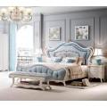Классическая кровать в роскошном итальянском стиле в спальню Classic