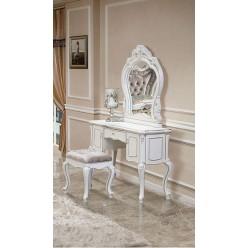 Светлый классический туалетный столик в спальню Версаль