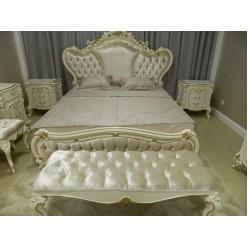 Классическая банкетка в стиле барокко в спальню  Людовик