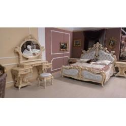 Классическая кровать Ренессанс в королевском стиле с резным орнаментом