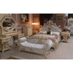 Фигурная классическая банкетка Ренессанс с каретной стяжкой и мягким сидение в итальянском стиле