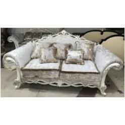Роскошный диван в стиле ренессанс в гарнитур Романтика