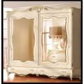 Красивый шкаф в классическом стиле с золотой патиной в спальню Романтика.