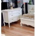 Удобный широкий комод в спальню Анабель в итальянском стиле