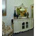 Классический буфет с зеркалом в шикарную гостиную в итальянском стиле Макао 002