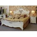 Белая кровать в антикварном стиле в спальный гарнитур Макао 005