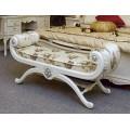 Банкетка белая с патиной в классический спальный гарнитур Макао 006 в царском стиле