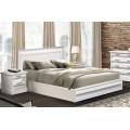 Белая классическая кровать с прямым изголовьем в спальню С -2
