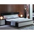 Кровать с прямым изголовьем для спальни Оливье