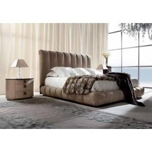 Большая кровать из массива с натуральной кожей LIFETIME