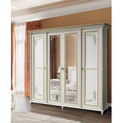 Белый четырехдверный шкаф в мебельный гарнитур Принцесса
