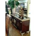 Буфет с зеркалом в гостиную Эрмитаж