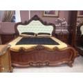 Кровать 1800 с мягким светлым изголовьем Эмили