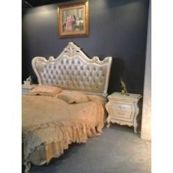 Белая классическая кровать с обитым изголовьем Селена