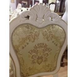 Белый резной стул для комплекта мебели Коко Шанель