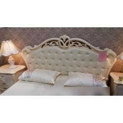 Белая кровать 1800 с обитым изголовьем Катрин