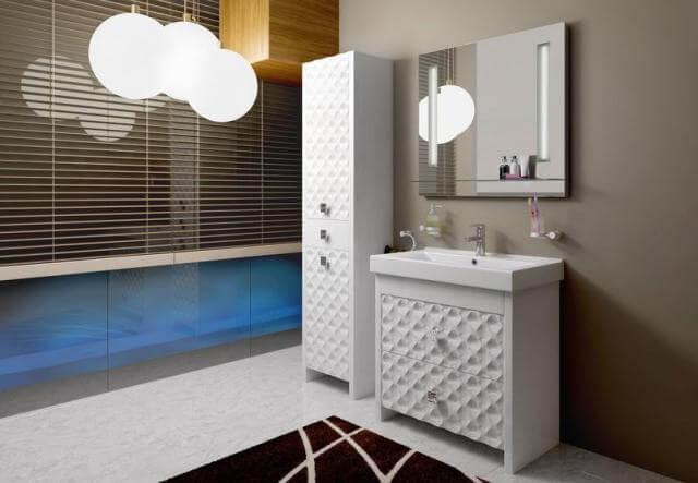 Самый лучший вариант для хранения разных предметов в ванной комнате – это пенал.